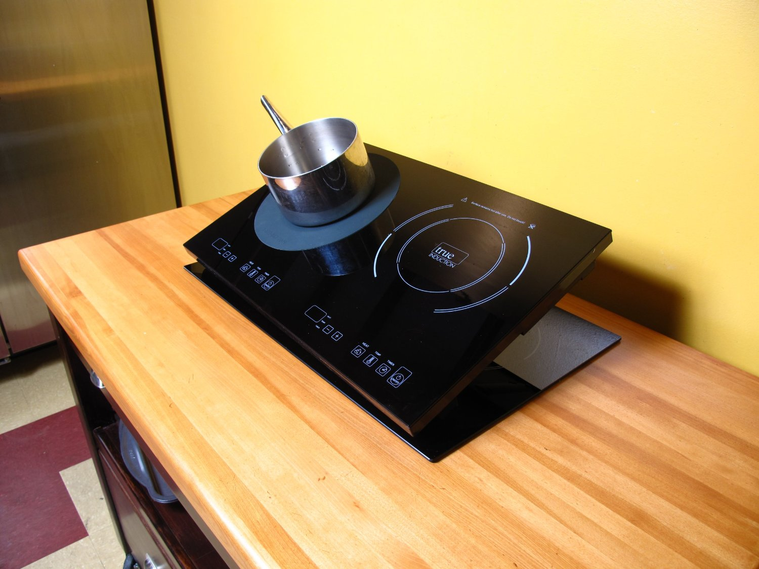 5 Must Have Induction Cooktop Accessories For Your Kitchen